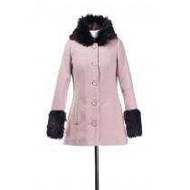 Palton scurt cu blana la maneci si la gluga