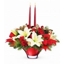 Aranjament din trandafiri si crini - Craciun Fericit Roflora