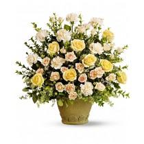 Aranjament din trandafiri si garoafe - Miere de albine Roflora