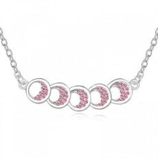 Pandantiv argintiu cu cercuri suprapuse si strasuri roz TRENDWORLD